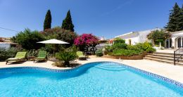 Beautiful renovated Quinta with pool near Vilamoura